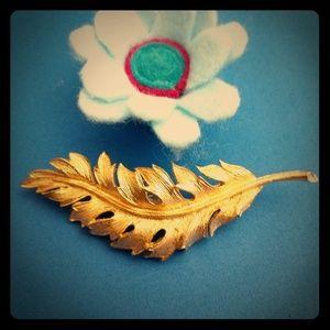 Vintage Coro gold leaf brooch 1961